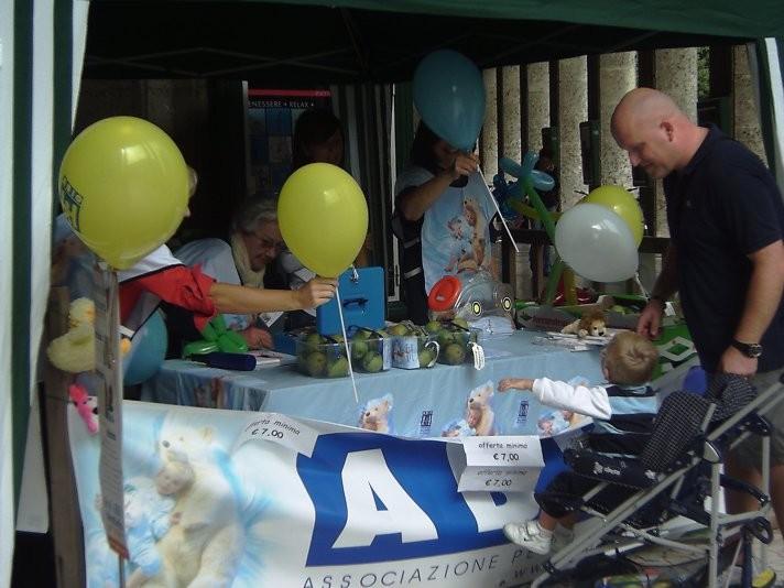 presi d'assalto dai bambini…..con pere gadgets e palloncini….un grande successo